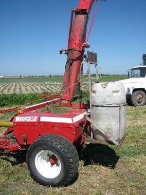 насос-дозатор на тракторе, схема установки